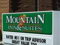 Mountain Inn And Suites Airpor
