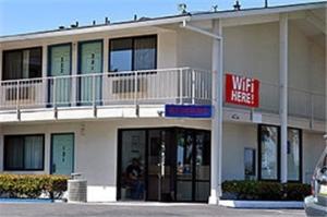 Motel 6 Los Angeles Harbor