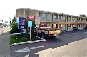 Motel 6 Los Angeleshacienda Hotel