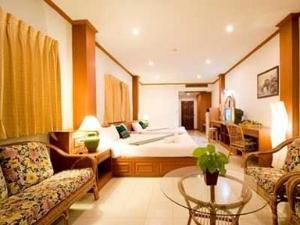Andaman Seaview Bangtao Resort