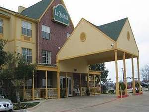 La Quinta Inn and Suites Dallas/mesquite