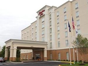Hampton Inn Richmond Colonial Hotel