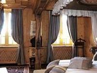 Les Violettes Hotel