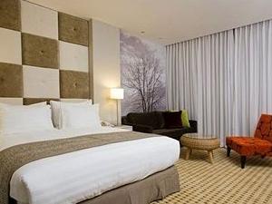 Sadot Hotel