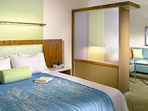 Springhill Stes Baytwn Marriott