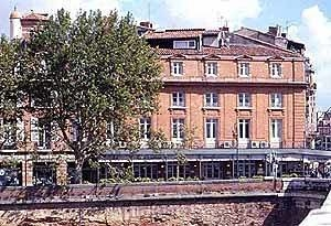 Des Beaux Arts Hotel