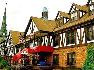 Drawbridge Plaza Inn and Suites