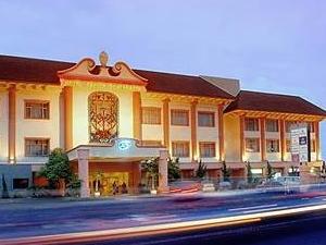 Saphir Yogyakarta