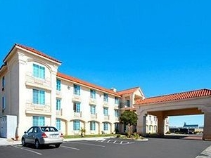 Comfort Inn and Suites Lancaster