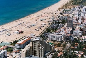 Yellow Monte Gordo Beach Hotel