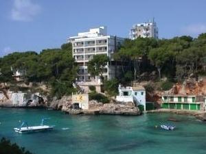 Pinos Playa Hotel