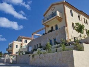 Erissos Palace