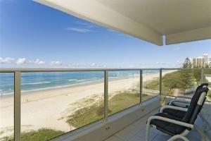 Resorts United Viscount Beach