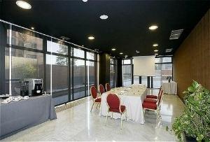 High Tech Madrid Aeropuerto Ho