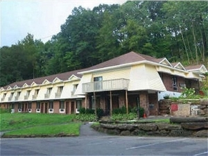 Passport Inn And Suites Middle