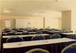 Oxford Suites Makati