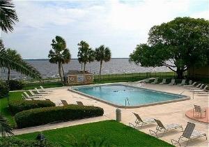 Palms Resort And Marina