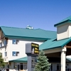 Gray Wolf Inn Suites