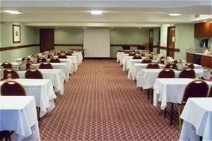 Phoenix Inn Suites Lake Oswego