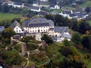 Burghaus Kronenburg