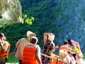 Halong Bay Day Cruise from Hanoi including Lunch, Kayaking & Cave Photos