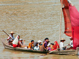 Mandalay-Bagan Cruise Tour (Downstream Ayeyarwaddy River) Photos