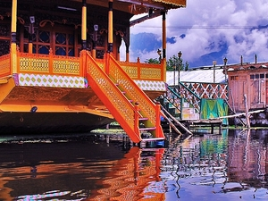 Beauty of Kashmir with Ladakh Tour 9N/10D Photos