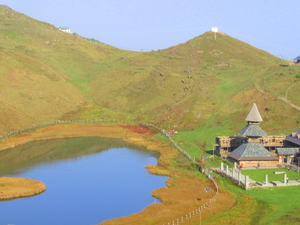 Prashar Lake Trek : 2 Days/1 Night (Mandi/HP/India) Photos