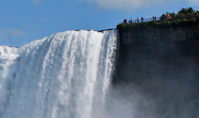 Cascate del Niagara in volo da New York Photos