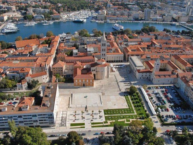 Private Guided Tour or Pub Crawling in Zadar Photos