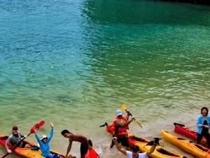 Bai Tu Long Bay - Quan Lan Island Photos