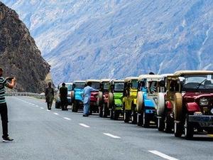 jeep Sefari Photos