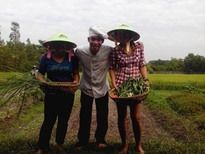 Amazing Vietnamese Cuisine in Organic Farm Photos