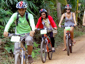 Cycling to Banteay Srei Temple