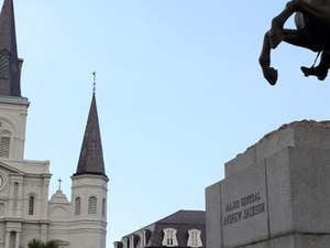 Garden District Walking Tour in New Orleans Photos