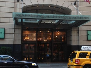 Private Economy Arrival Transfer: New York Airports to Manhattan Hotels Photos
