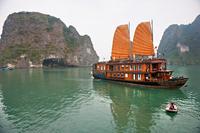 Private Ho Chi Minh City Transfer: Hotel to Phu My Port Photos