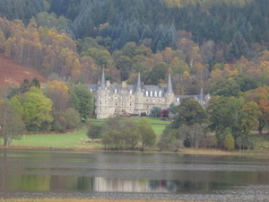 Stirling Castle and Loch Lomond Small Group Day Trip from Edinburgh Photos
