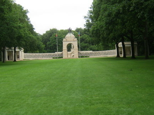 Small-group WWI Somme Battlefields Day Trip from Paris Photos