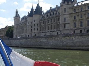 Seine River Hop-On Hop-Off Sightseeing Cruise in Paris Photos