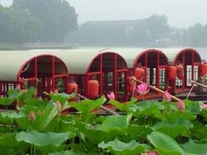 Private Tour of Beijing: Shichahai, Nanluoguxiang and Peking Opera with Peking Duck Dinner Photos