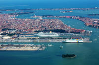 Venice Shared Arrival Transfer: Marittima Cruise Port to Central Venice Photos