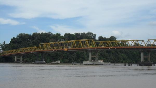 Samarinda Indonesia  City pictures : Mahakam Bridge, Samarinda, Indonesia Tourist Information