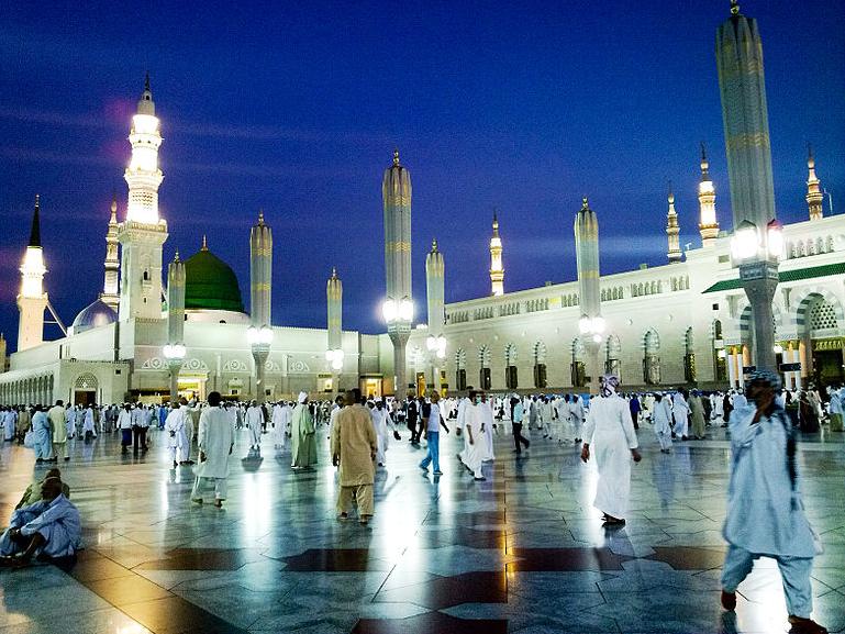 Al-Masjid al-Nabawi, Medina, Saudi Arabia Tourist Information