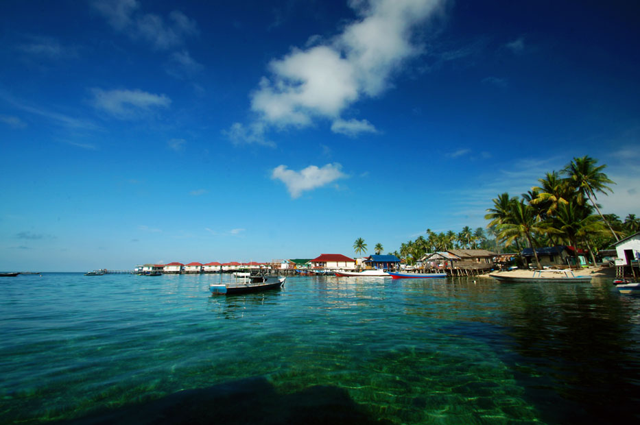 Berau Indonesia  City pictures : Derawan Archipelago, Kab. Berau, Indonesia Tourist Information