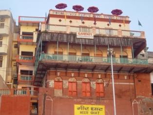 an overview of varanasi tourism essay Varanasi: varanasi, city, southeastern uttar pradesh state, northern india   northern indian citiestime-lapse video tour of the northern indian.